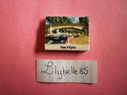 Feve PERSO En Porcelaine - PONT D' EPIZY - CHEVALIER JOIGNY 2012  ( Feves Figurine Miniature ) - Regio's