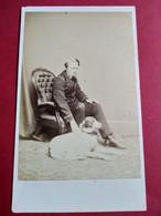 Photo CDV Circa 1865/70 - Marin En Tenue Et Son CHIEN - Photo Collins, Cardiff - TBE - Ancianas (antes De 1900)