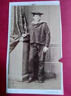 Photo CDV - Jeune Marin Debout - Circa 1865 - Photo Evariste Daunay à Rochefort Sur Mer - Etat - Guerra, Militares