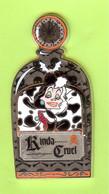 Gros Pin's Disney Bouteille De Parfum Rinda Cruel (101 Dalmatiens) ÉL 250 (Double Moule) - 1E07 - Disney