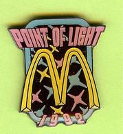 Pin's Mac Do McDonald's Point Of Light 1992 - 1E09 - McDonald's