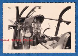 Photo Ancienne Snapshot - Intérieur D' Hélicoptère Militaire - Période Algérie 1950 1960 Modèle à Identifier - Aviation - Aviazione