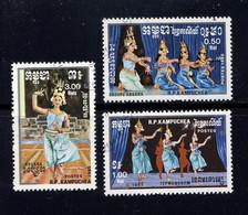 KAMPUCHEA  - N° 543/545° - DANSES TRADITIONNELLES - Kampuchea