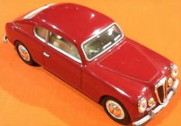 Voiture Miniature  Lancia Aurelia GT 1320  (1951)   Solido   Echelle : 1/43ème - Solido
