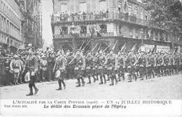 EVENEMENT Event Veranstaltung - PARIS - 14 JUILLET Historique (1916) Le Défilé Des Ecossais Place De L'Opéra - CPA Seine - Andere