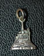 """Pendentif Médaille Souvenir """" Le Mont Saint Michel """" Normandie - Religion &  Esoterik"""
