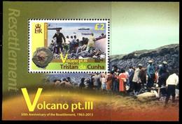Tristan Da Cunha 1056/59 Et Bf 68 Volcan Série III - Volcans