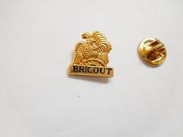 Beau Pin's En Relief , Champagne Bricout , Avize , Marne - Boissons