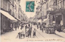 BAC19- TROYES DANS L'AUBE  RUE EMILE ZOLA   VOITURE DION BOUTON DANS LA RUE  CPA  CIRCULEE - Troyes