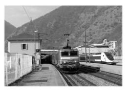 MOUTIERS - TER Et TGV Desservant La Gare - Moutiers