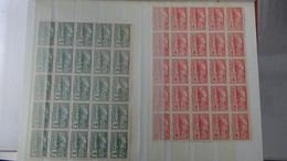 L42 Collection Timbres Différents Pays Dont 25 Séries URUGAY PA 89 à 96 ** + 99 Et 100 ** (côte 3875 Euros) A Saisir !!! - Sammlungen (im Alben)