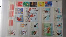 L48 Collection De Timbres Et Blocs ** De Différents Pays !!!. - Sammlungen (im Alben)
