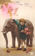 Enfant Et Eléphant - Sonstige