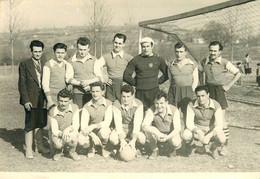 CARTE PHOTO - FOOTBAL - C.S. BILLY (03 - ALLIER) - Championnat 1951-1952 - - Fussball