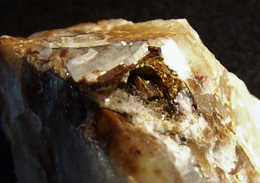 Bariopharmacosiderite Om Matrix ( 2 X 1.5 X 1 Cm ) Clara Mine -  Oberwolfach - Black Forest -  Germany - Minéraux