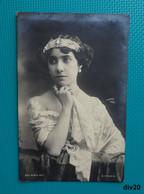 CPA - Jolie Jeune Femme Pensive Avec Un Diadème - Photographe WALERY - 1901 - Sin Clasificación