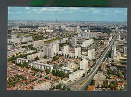 CP (92) Bourg-la-Reine  -  Vue Panoramique - Place De La Résistance - Bourg La Reine