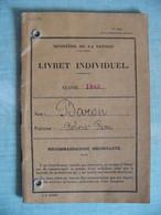 Ministère De La Guerre Livret Individuel Classe 1942 B .... Né à Courbevoie En 1922 - 1939-45