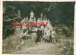PHOTO ALLEMANDE DE LA FLA 31 - SOLDATS OFFICIERS DEVANT L'ABRI A MONCHEUX PRES DE LUPPY - METZ MOSELLE GUERRE 1914 1918 - 1914-18