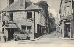 DOMFRONT - La Grande Rue - Domfront