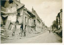 PHOTO FRANÇAISE - LES RUINES D'UNE RUE DE PERONNE - SOMME GUERRE 1914 1918 - 1914-18