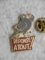 """Pin's - Médias Jeu TV Et Revue Magazine """"RÉPONSE A TOUT !"""" - Animaux Oiseaux PIGEON - Medien"""