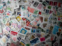 Beau Vrac De + De 2000 Timbres à Décoller Du Monde Entier Varié - Lots & Kiloware (mixtures) - Min. 1000 Stamps