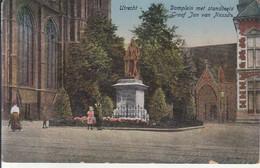 Utrecht - Domplein Met Standbeeld Graaf Jan Van Nassau - Utrecht