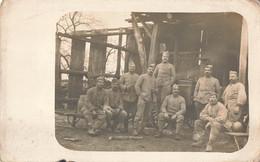 Guerre 1914 1918 Cpa Carte Photo Photographie Militaire Groupe Militaires Soldats Daujean - Guerra 1914-18