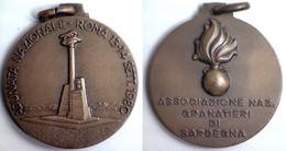 03029 MEDAGLIA COMMEMORATIVA ADUNATA NAZIONALE GRANATIERI DI SARDEGNA ROMA 1980 - Italy