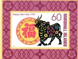 """ HOROSCOPE CHINOIS : 1997 ANNEE DU BUFFLE ""  Sur Bloc Feuillet Neuf ** MNH Des îles Marshall. - Astrologie"