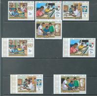 BURUNDI - 1970 - MNH/*** LUXE - ANNEE INT'L DE L'EDUCATION - COB  422-425 PERF. AND IMPERFORATED - Lot 22199 - 1970-79: Ungebraucht