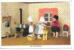 Doll, Puppe, Poupée, Dutch Costume, Costume Néerlandais, Clogs, Wooden Shoes, Cuisine De Poupée, Doll Kitchen - Games & Toys