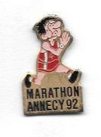 Pin's  Ville, Sport  Athlétisme  MARATHON  ANNECY  1992  ( 74 ) - Athlétisme