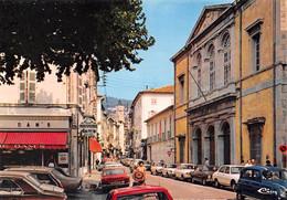 DRAGUIGNAN - La Rue Du Palais De Justice - Automobiles, Renault 4L Bleue - Draguignan