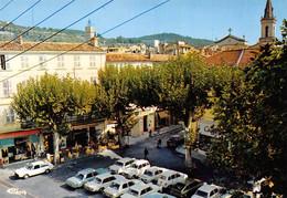 DRAGUIGNAN - Place Claude Gay - Automobiles, Renault 4L (2) - Draguignan