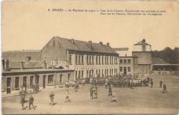 Brugge  *  4° Régiment De Ligne - Cour De La Caserne - Epluchement Des Pommes De Terre  (Leger - Armée) - Brugge