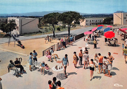 FREJUS - Vacances P.T.T. Estérel Côte D'Azur - Architecte M. Amar - La Terrasse Du Bar - Toboggan, Portique - Frejus