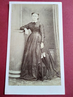 Photo CDV Second Empire - Jeune Femme Debout - Ombrelle - Circa 1865/70 - Photo Annet, Tarbes - TBE - Ancianas (antes De 1900)