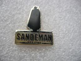 Pin's Logo Des Vins SANDEMAN Depuis 1790 - Boissons