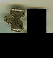 Pin's - éléphant - Le Crochet Français - Animales