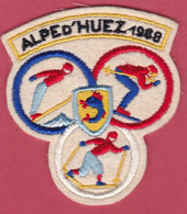 Ecusson Tissu ALPE D'  HUEZ 1968 Jeux Olypmpiques  ( Piane - Patches