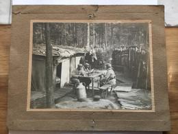 Grande Photo De Poilus Prenant Leur Repas Dans Une Tranchée 22 X 17 Cm 1914-18 - 1914-18