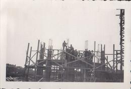 Foto Photo ( 6,5 X 9,5 Cm) Bouwwerf Contructie Chantier De Construction Bouwvakker Ouvrier Du Batiment - Ansichtskarten