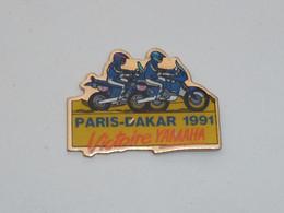 Pin's MOTARDS, PARIS-DAKAR 1991, VICTOIRE YAMAHA - Motorfietsen