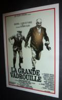 Carte Postale : Louis De Funes - La Grande Vadrouille (Bouvil) (affiche Film Cinéma) Illustration : Ferracci - Manifesti Su Carta