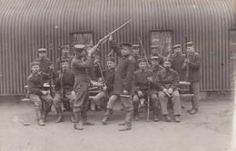AK Foto Gruppe Deutsche Soldaten Bei Waffenvisite - Feldpost Darmstadt 1916  (52077) - Weltkrieg 1914-18