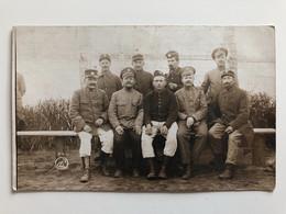 Foto Ak Prisonniers De Guerre Uniform Russe Et Francais Zerbst Anhalt - Guerra 1914-18