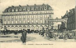PARIS  Place Du Palais Royal Chemin De Fer Metropolitain Station Du Palais Royal Recto Verso - Arrondissement: 01
