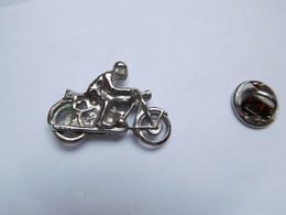 Superbe Pin's En Relief , Moto , Motard - Motorfietsen
